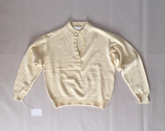 sand yellow cotton sweater | button front neck