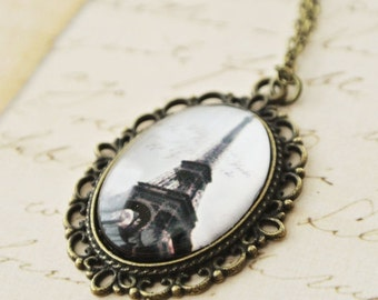 France Eiffel Tower with Necklace, French Vintage Paris Eiffel Tower Necklace, Oval Paris Eiffel Tower PendantNecklace