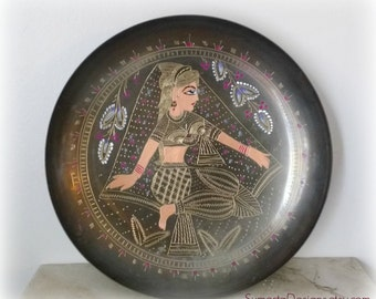 Fabulous Indian brass dish ~ traditonal Indian woman ~ etched brass dish ~ East Indian art ~ painted brass brass and enamel ~ Asian decor