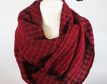 Handwoven Cotton Loop Scarf Red - Peacock