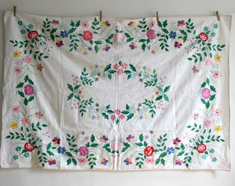 Flower Bouquet Embroidered Tablecloth