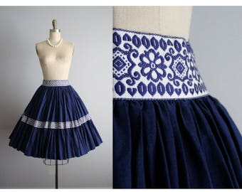 50's Circle Skirt // Vintage 1950's Basket weave Print Cotton Blue Grey  Full Circle Skirt XS