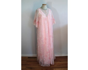 1960s Pink Peignoir Nightgown Set // Chipman Hosiery Mills
