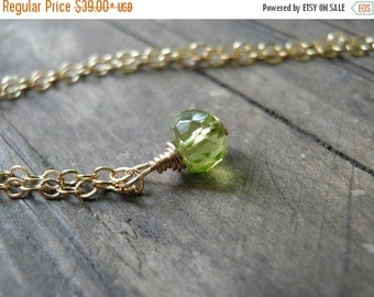 CHRISTMAS SALE Tiny Peridot Necklace, Minimalist Necklace, Simple Necklace, Green Necklace ,14K Gold Filled, August Birthstone Necklace, Spr