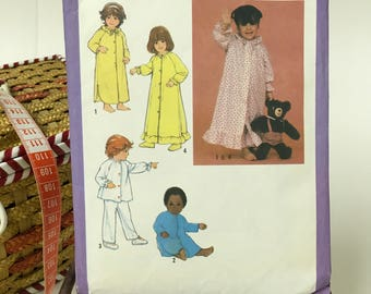 SIMPLICITY #9251 Sewing Pattern/Toddlers Nightgown Pajamas Robe Vintage