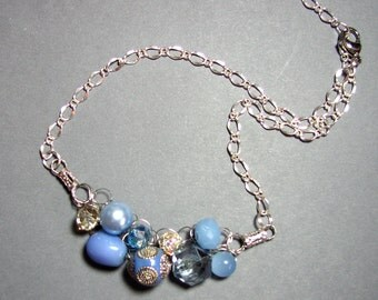 Adjustable Wire Crochet Necklace in Glass and Resin