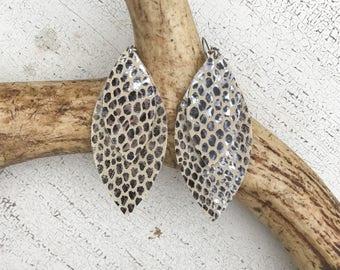 Double Petal Leather Earrings in Black Mamba
