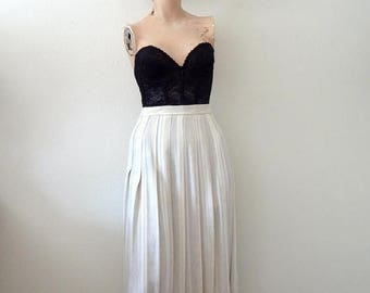 ON SALE A-Line Skirt / vintage pleated rayon & flax skirt / ivory and natural stripe