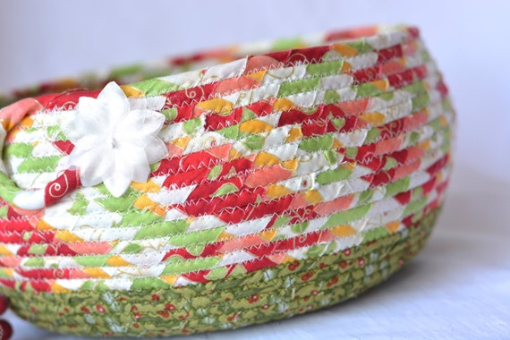 Christmas Bowl, Artisan Quilted Christmas Basket, Homemade Christmas Gift Basket, Holiday Decoration,  Handmade Coiled Basket