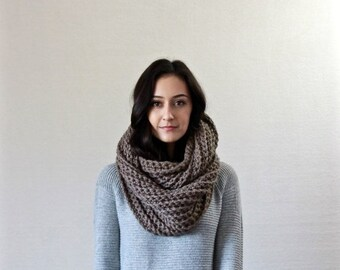 End of season SALE chunky infinity scarf // Le Fleur - TAUPE