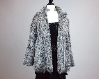 90's Silver Grey Tipped Faux Fur Super Shaggy Coat // M - L
