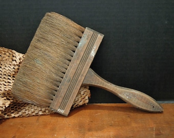 Antique / Vintage Large Paint Brush / Natural  Bristles / Wooden Handle / Paint Brushes / Artist's Pain Bush / Wall Paper Brush