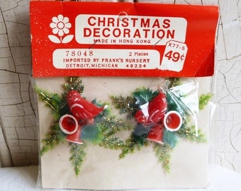 Vintage Star Gift Tie-ons - Red and White Bird and Bells - Unopened Original Package - NOS - Mid-Century 1960s - Kitschmas