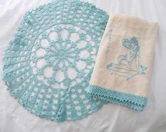 Vintage TURQUOISE crochet DOILY and Embroidered Linen Pin-Up Girl Guest Towel