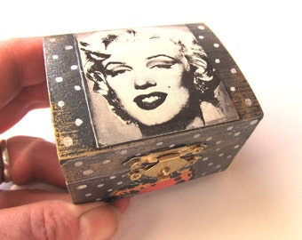 Jewelry Box Small Wooden Marilyn Monroe in Black and White Warhol Man on the Moon Lunar Landing Dali Butterfly Chameleon Scarabs Gift Box