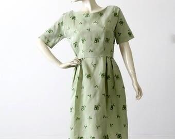 vintage 50s green floral dress, embroidered tea dress