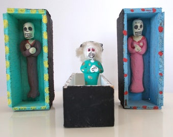 Day Of The Dead Folk Art • 3 Wood Coffins With Clay Figures