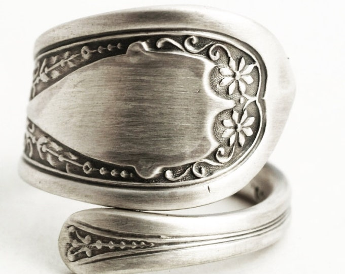 Daisy Flower Ring, Sterling Silver Spoon Ring, Petite Daisy Ring, Floral Ring, Custom Ring Size, Antique Spoon ca 1890, Gift For Her (6367)