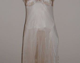 Vintage Maidenform Full Slip 32 70 Champagne Nylon Union Made in the USA Lace Trim