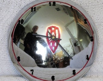 Oldsmobile-Small-Disk-Hubcap-Clock-1939-40-41-42-Dog-Dish