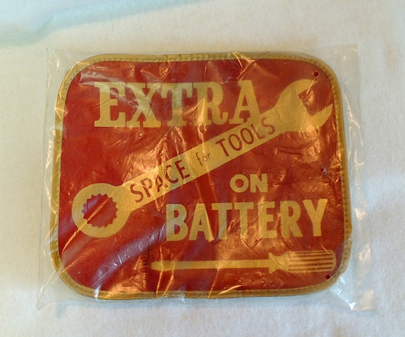 Vintage Mid-Century Consolidated Auto Battery Cover Tool Holder Mat.. NOS Orig Pkg
