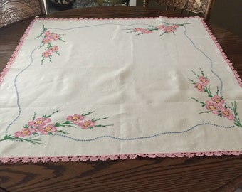 VINTAGE Embroidered French COUNTRY Table Cloth   Crochet Edging   Floral  Bouquets