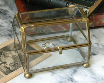 Vintage Brass and Glass Curio Box. jewelry casket. trinket box. home decor.