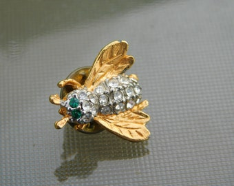 Vintage Gold Tone Rhinestone and Emerald Bee Pin Scatter Pin Brooch Dr35