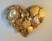 Vintage Jewelry HEART Brooch / Pin Valentine's Day Gift Japan C-Clasp Gold Tone Large Chunky Art Deco Retro Art Nouveau