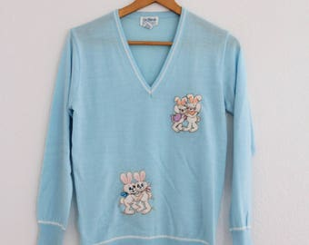 1970s Novelty Sweater Bunny Rabbits Easter Bunnies Embroidered Light Blue V Neck Womens Vintage Small Medium