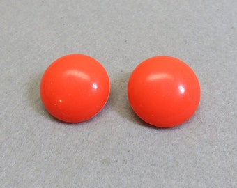 1960s Melon Colored Plastic Clip Earrings, Button Style Clip Earrings, Vintage Clip Ons