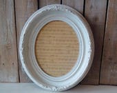 Antique Oval Picture Frame, Vintage Frame with Glass, Painted White frame, Shabby Cottage, French Provincial, Wall decor