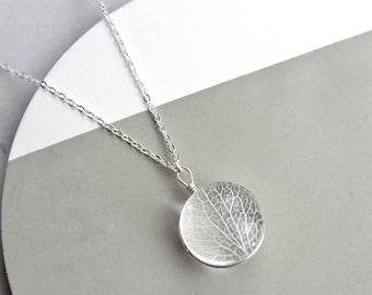 Sterling silver Leaf vein glass pendant necklace