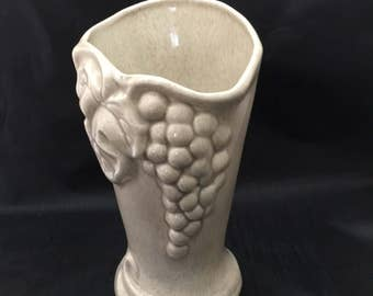 Vintage West Coast California USA Pottery Grape Beige Leaf Beige Vase