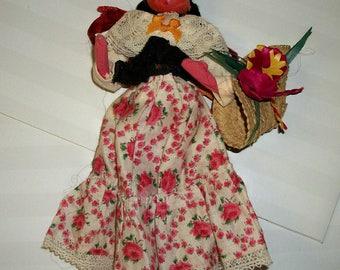 Vintage Mexican doll, 12 inch souvenir doll.