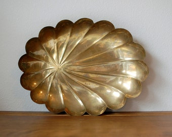 Large vintage scalloped brass tray dish catch all Mid Century shell