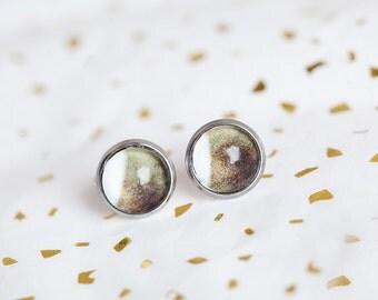 Earth tone stud earrings, Brown White, Stud Earrings, Natural, Kauai, Khaki, Small Earrings, Everyday Earrings, beesandbuttercups