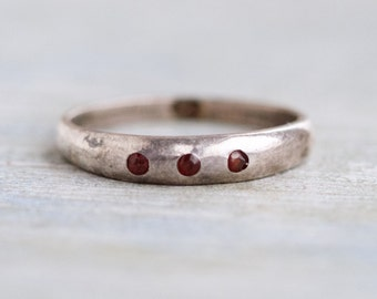 Dainty Garnets Ring - Sterling Silver Ring Size 6.5 - Stackable Ring Band