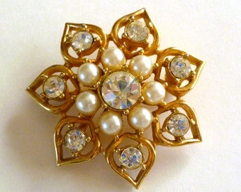 Pearl Rhinestone Brooch Signed Sarah Coventry, Vintage Pearl Jewelry