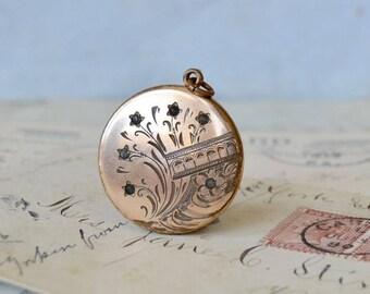 Victorian Etched Gold Filled Locket