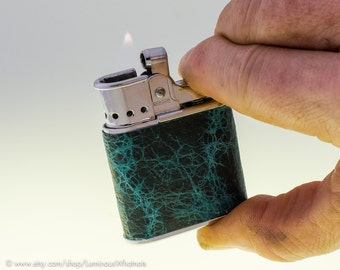 Working 1950s Ronson Whirlwind Pocket Lighter With Electric Blue Leather Covering