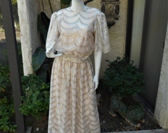 Vintage 1980's Annemarie Gardin Pale Pink/Gold/Silver Metallic Scalloped Lace Dress - Size 14