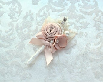 Blush Ivory Boutonniere/ Romantic Wedding Lapel Pin/ Handmade Rustic Wedding Accessory
