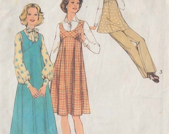 1974 Vintage Sewing Pattern for making women's maternity dresses/trousers size 14 (Style 4873)