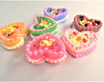 28mm*33mm*11mm. 4CT. Resin Heart Shaped Cake Cabochon/Pendants