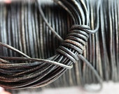 1.5mm Round Natural Leather cord - Vintage Black, grey hints - 10 feet, LC015