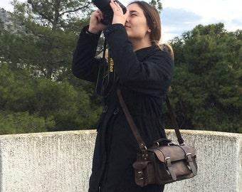 Medium size leather camera bag / Women/Men rustic brown leather bag / Photo case / Shoulder bag