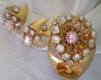 25% OFF SALE Art deco brooch and clip earrings with clear and pink rhinestones
