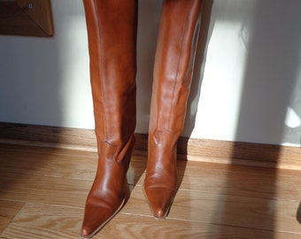 Vintage  LAVARAZIONE ARTIGIAMA LEATHER Boots, Knee High, Spiked Heel and Pointed Toe Italian Made Boots with Great style and design