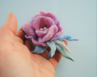 Felted flower brooch.Purple rose flower. Vintage style. Felt flower pin,Felted wool flowers. Felt brooch.Gift for her, weeding gift
